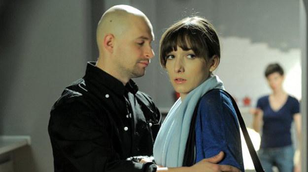 Justyna wie, że dziecko jest Daniela. Gdy mąż się o tym dowie, ich małżeństwo będzie skończone. /ARTRAMA