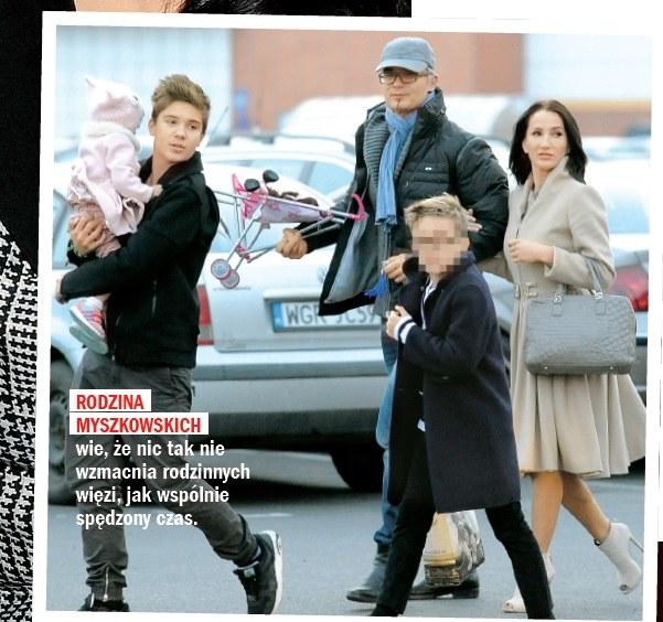 Justyna z rodziną /- /Rewia