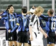 Juventus - Inter 0:1. Radość Julio Ricardo Cruza... /AFP