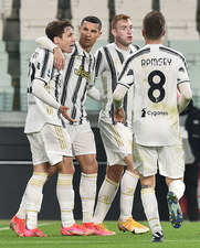 Juventus Turyn - FC Crotone 3-0 w 23. kolejce Serie A