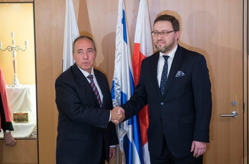 Juwal Rotem i Bartosz Cichocki /PAP/EPA