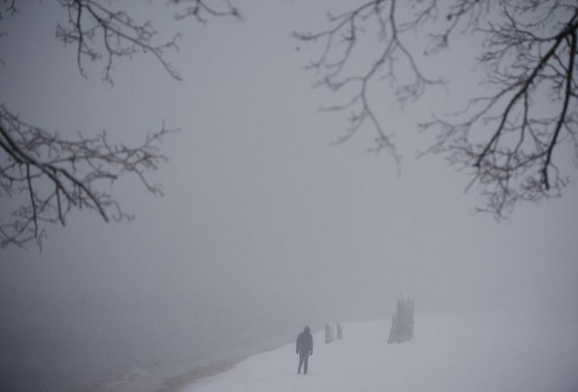 Już niedługo pogoda uspokoi się i poprawi /Adam Warżawa /PAP
