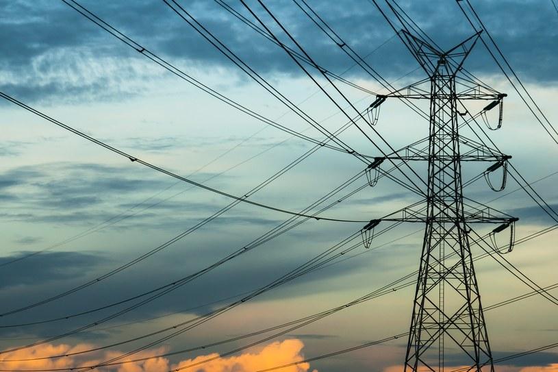 Już niemal połowę zużycia energii elektrycznej gospodarstw domowych w Polsce pokrywamy za pomocą energii sprowadzonej od naszych sąsiadów. /123RF/PICSEL