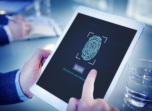 Już ponad połowa Polaków jest gotowa udostępniać swoje dane biometryczne /©123RF/PICSEL