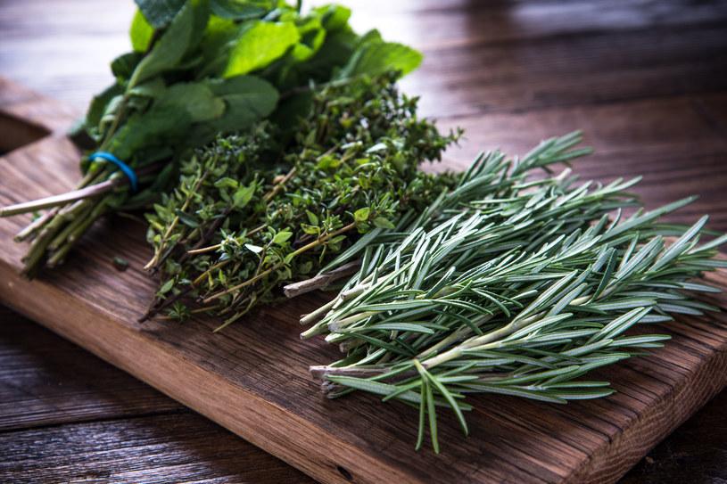 Już teraz przygotuj zioła na sezon jesienno-zimowy! /123RF/PICSEL