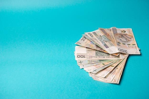Już w lutym przeciętne wynagrodzenie przekroczy 5 tys. zł /©123RF/PICSEL