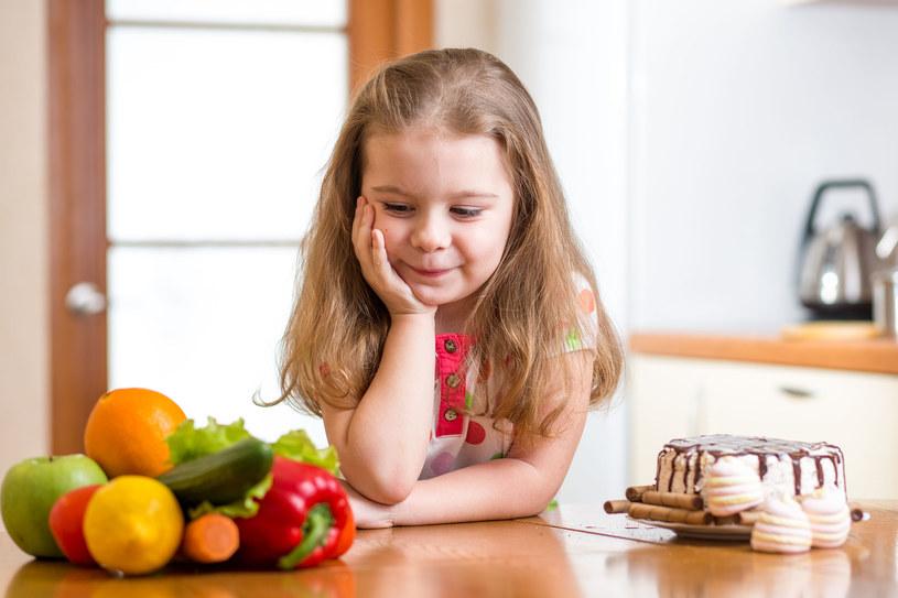Już w pierwszych latach życia dziecka kształtują się podstawy jego nawyków żywieniowychJuż w pierwszych latach życia dziecka kształtują się podstawy jego nawyków żywieniowych /123RF/PICSEL