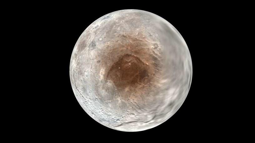 Już wiadomo skąd się wzięła tajemnicza czerwona plama na powierzchni Charona /NASA