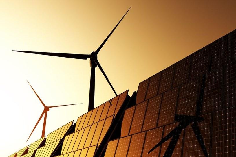 Już wkrótce będziemy musieli polegać tylko na odnawialnych źródłach energii /123RF/PICSEL