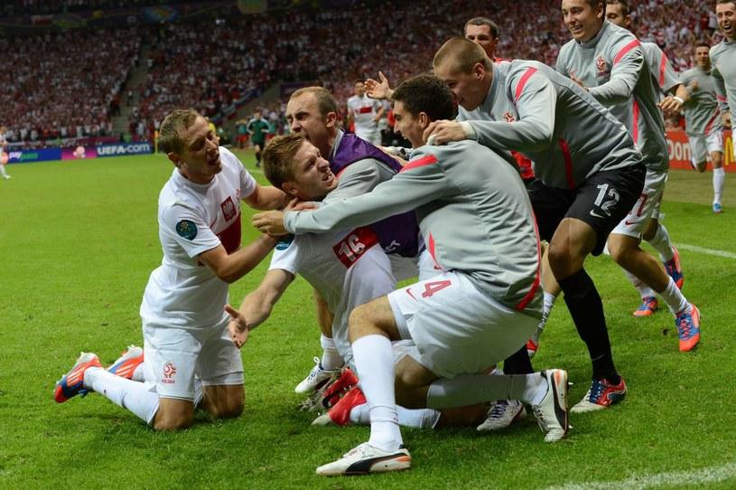 Już za osiem lat czekać nas będą kolejne wielkie piłkarskie emocje w Polsce? /AFP