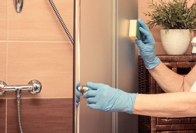Kabina prysznicowa będzie lśnić /©123RF/PICSEL