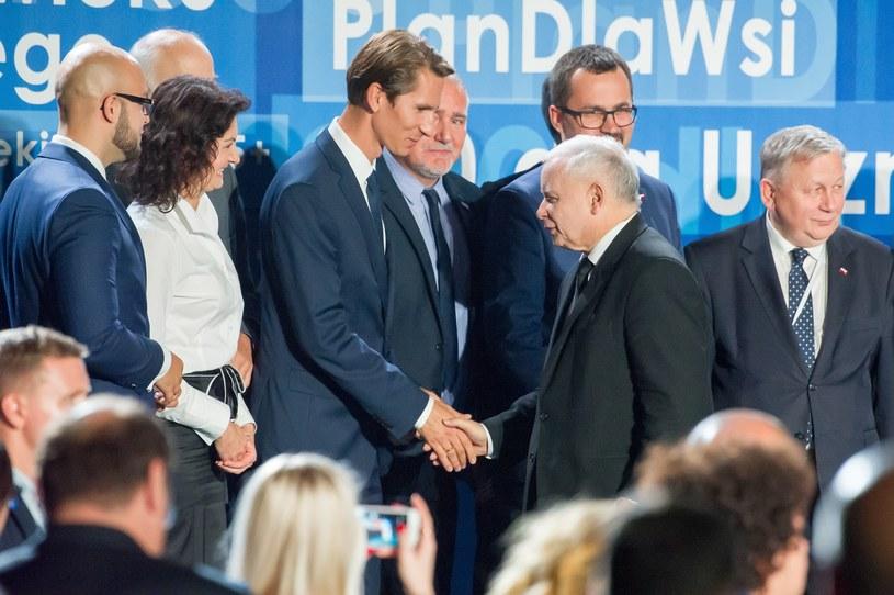 Kacper Płażyński i Jarosław Kaczyński na konwencji wyborczej PiS w Gdańsku /Wojciech Stróżyk /Reporter