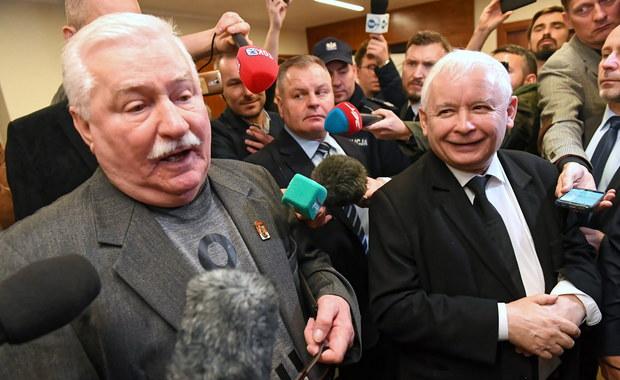 Kaczyński i Wałęsa w sądzie. Utarczki i złośliwości na korytarzu