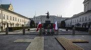 Kaczyński na mszy. Później przejdzie pod Pałac Prezydencki