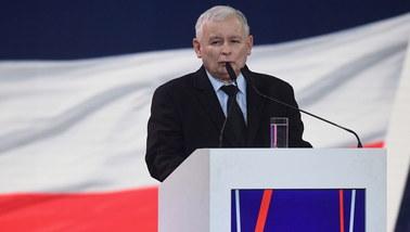 """Kaczyński obiecuje: 500+ od pierwszego dziecka, """"trzynastka"""" dla emerytów"""