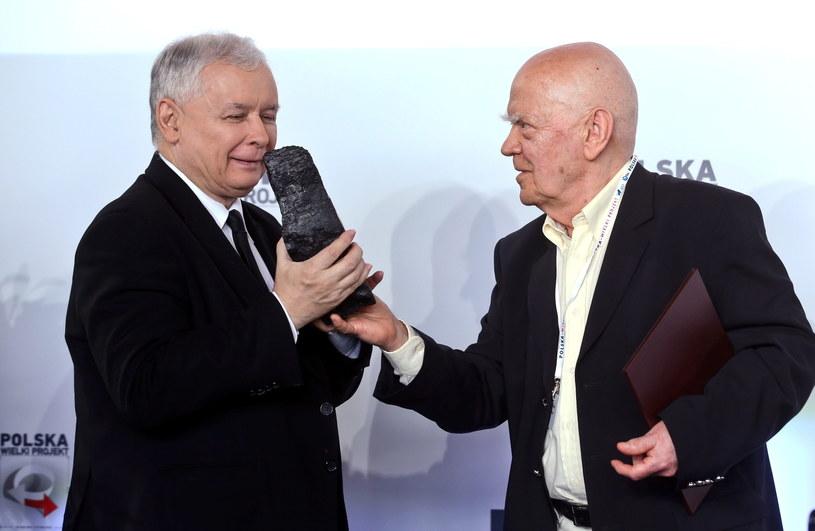 Kaczyński wręczył Rymkiewiczowi nagrodę im. L. Kaczyńskiego /Rafał Guz /PAP