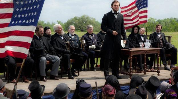 """Kadr z filmu """"Abraham Lincoln: Łowca wampirów"""" /materiały dystrybutora"""