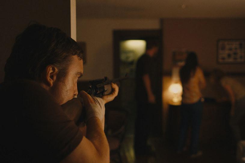 """Kadr z filmu """"Blue Ruin"""" /materiały prasowe"""