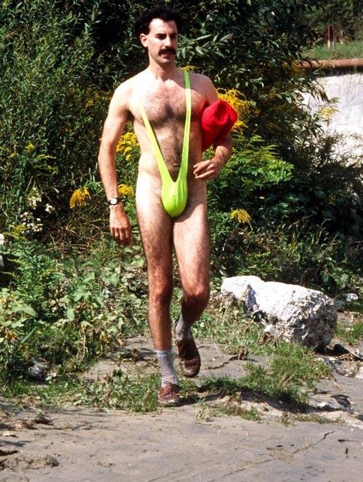 """Kadr z filmu """"Borat"""" z Sachą Baronem Cohenem w roli głównej /AKPA"""