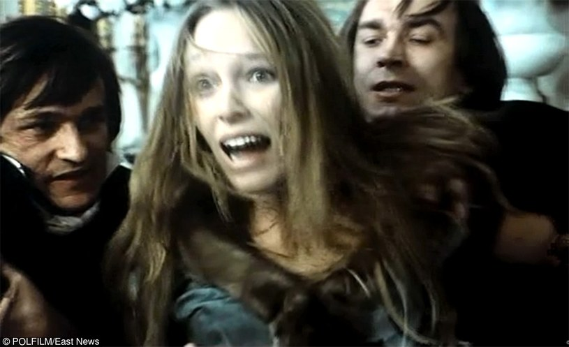 """Kadr z filmu """"Diabeł"""", na zdj. Malgorzata Braunek i Leszek Teleszynski, fot. Maciej Kijowski /East News"""