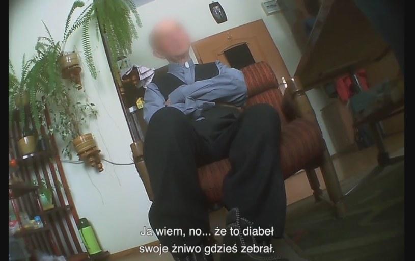 """Kadr z filmu dokumentalnego """"Tylko nie mów nikomu"""" /"""