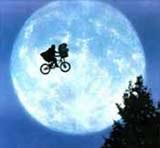 "Kadr z filmu ""E.T."" /"