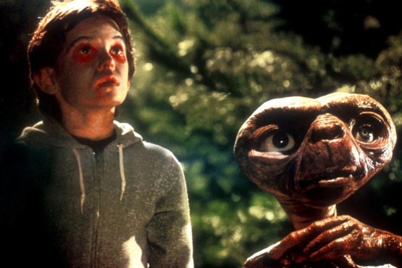 """Kadr z filmu """"E.T."""" /materiały dystrybutora"""