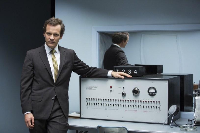 """Kadr z filmu """"Eksperymentator"""" z roku 2015, który opowiada o Stanleyu Milgramie /Album Online"""