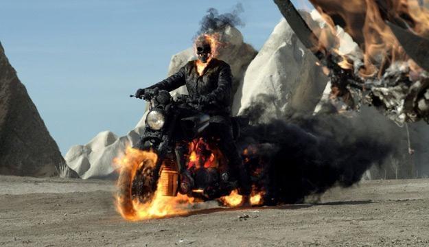 """Kadr z filmu """"Ghost Rider 2"""" /materiały dystrybutora"""