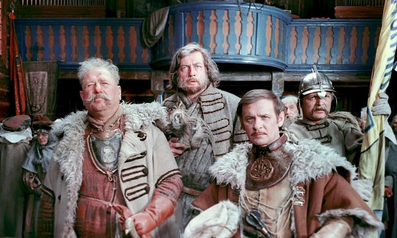 """Kadr z filmu Jerzego Hoffmana """"Potop"""" (1974) /East News/POLFILM"""