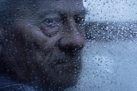"""Kadr z filmu """"Odgłosy robaków - zapiski mumii"""" /materiały dystrybutora"""