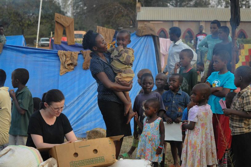 """Kadr z filmu """"Ptaki śpiewaja w Kigali"""" /fot. Ewa Łowżył / materiały KOSFILM /materiały promocyjne"""