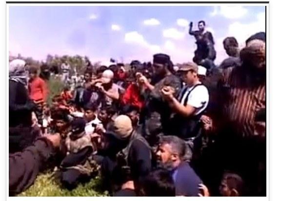 Kadr z filmu wideo dokumentującego egzekucję, fot. LiveLeak /
