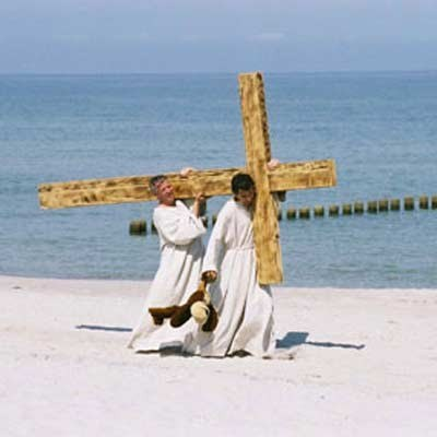 """Kadr z filmu """"Wszyscy jesteśmy Chrystusami"""" /"""