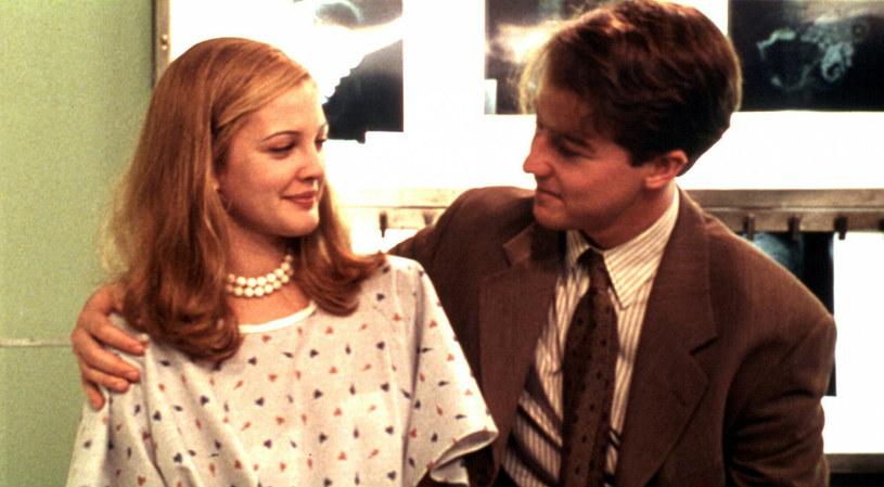 """Kadr z filmu """"Wszyscy mówią: kocham cię"""" /Miramax/Courtesy Everett Collection /East News"""