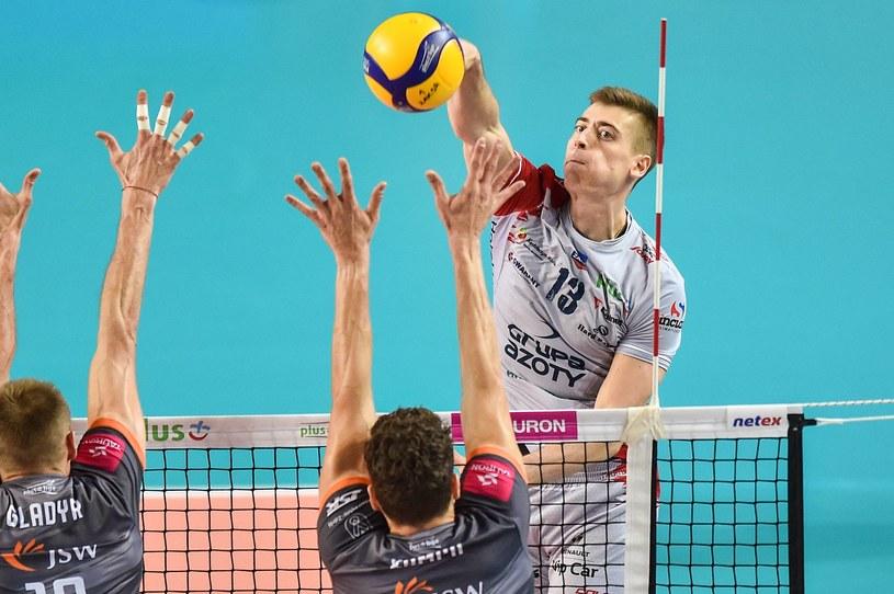 Kadr z meczu na szczycie /Łukasz Laskowski /Newspix