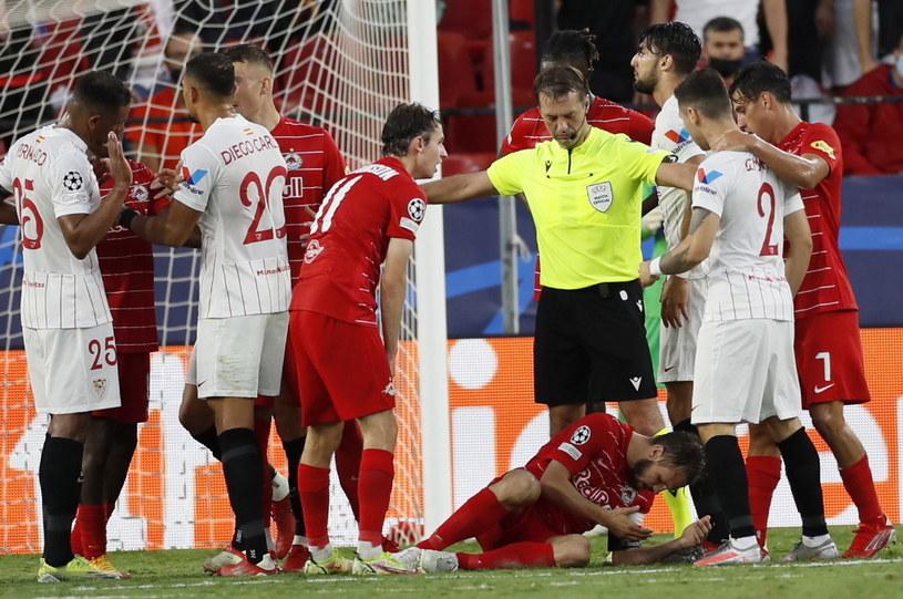 Kadr z meczu Sevilla FC - RB Salzburg /PAP/EPA