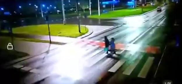 Kadr z nagrania drastycznego wypadku /Zrzut ekranu
