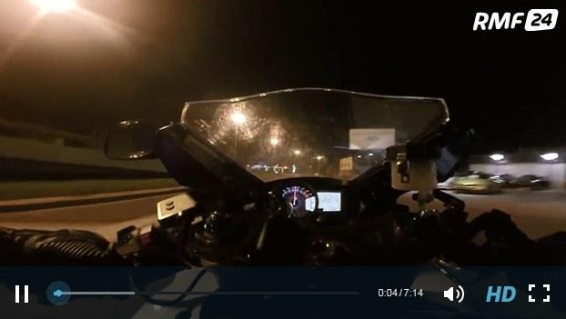 """Kadr z nagrania rajdu """"Froga na motorze"""" /www.trójmiasto.pl /RMF"""