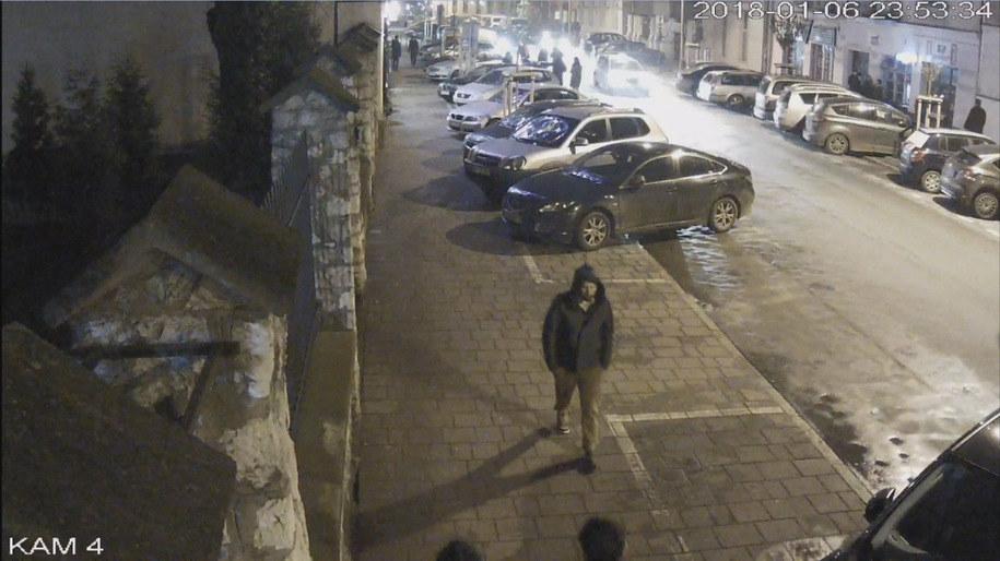 Kadr z nagrania z monitoringu. /Małopolska Policja /Policja
