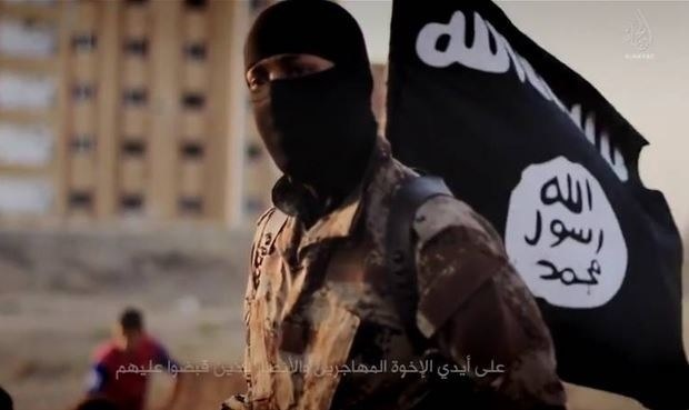 """Kadr z propagandowego filmu dżihadystów """"Flames of war"""", zdj. ilustracyjne /AFP"""