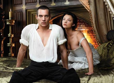 """Kadr z serialu """"Dynastia Tudorów"""" /materiały programowe"""
