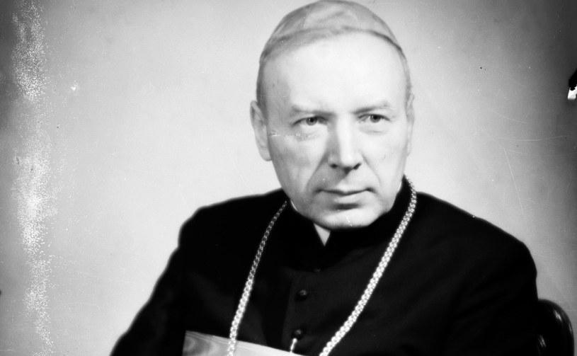 Kadrynał Stefan Wyszyński w sprawowaniu kościelnych funkcji czuł się samotny wobec władz państwowych wrogo nastawionych do Kościoła /Narodowe Archiwum Cyfrowe /archiwum prywatne