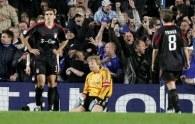 Kahn na kolanach, Bayern jeszcze nie /AFP