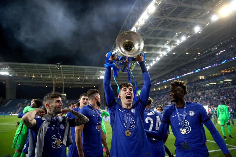 Kai Havertz z trofeum Ligi Mistrzów /Chris Lee - Chelsea FC /Getty Images