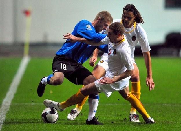Kaimar Saag (z lewej) strzelił dwa gole dla Estonii /AFP