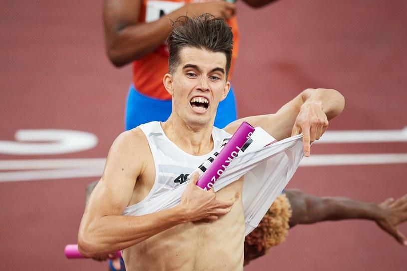 Kajetan Duszyński na finiszu sztafety 4x400. Tokio 2020 /Fot. Rafał Oleksiewicz /Newspix
