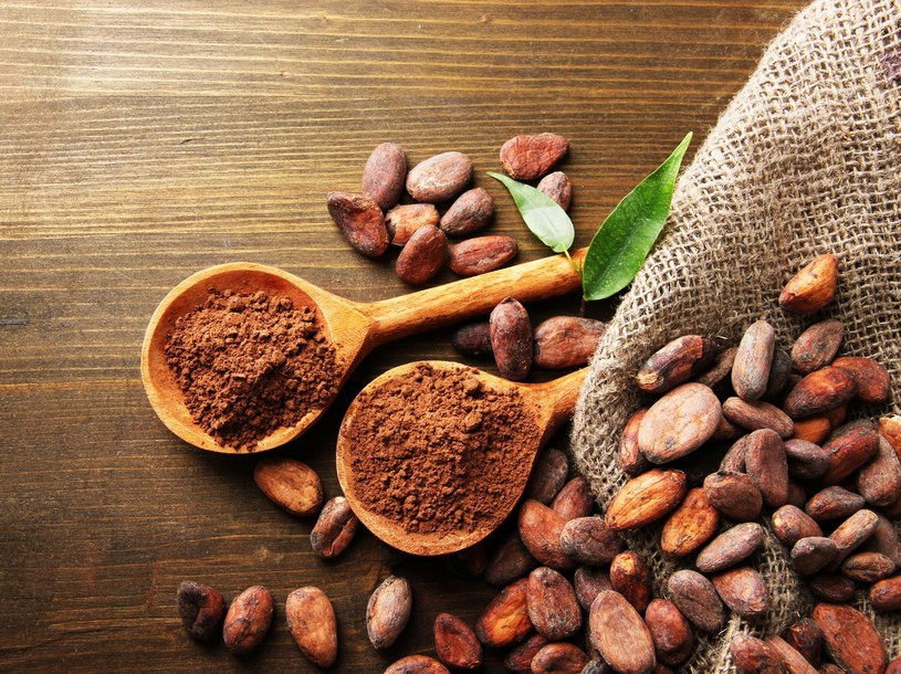 Kakao jest jednym z najbogatszych pokarmowych źródeł wapnia /123RF/PICSEL