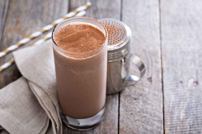 Kakao podnosi poziom hormonu szczęścia /123RF/PICSEL