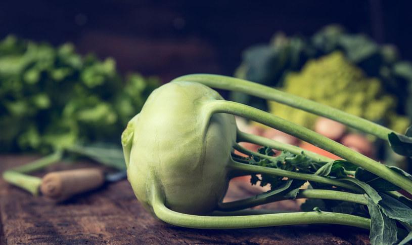 Kalarepę można jeść na surowo /123RF/PICSEL